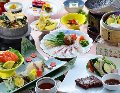 夕食は季節のスタンダート和洋折衷懐石 (鮮魚刺身二種・天然桜鯛しゃぶ・小鰯天婦羅・特選牛)