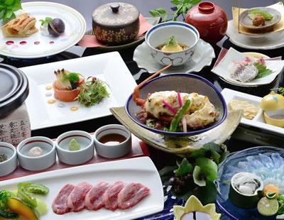 11月~☆季節のグレードアップ美味特選懐石 (とらふぐ・いせえび・あわび・高森牛)