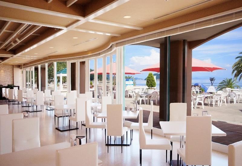 レストラン【バナナビーチ】
